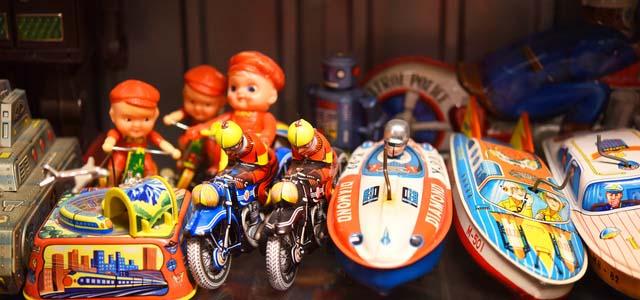 千葉県内のレトロ玩具買取いたします。