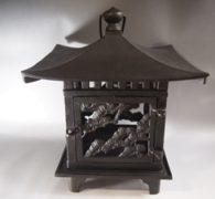 【古道具の買取】鋳物のガーデンライト買取しました。
