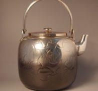 【茶道具買取】鋳物師大野芳光作 独楽繋薬缶買取しました。